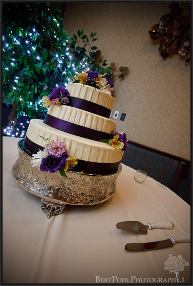 Jenny and Jade's wedding reception cake at the Common's Fort Drum