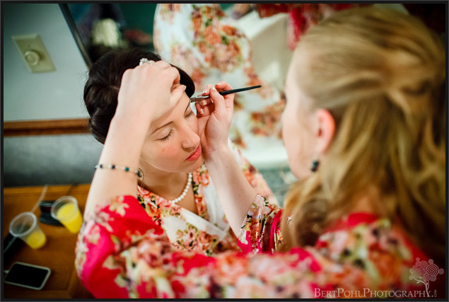 Ariel & Jeff's preparation for their wedding at the Ridgeview Inn Wedding Photography