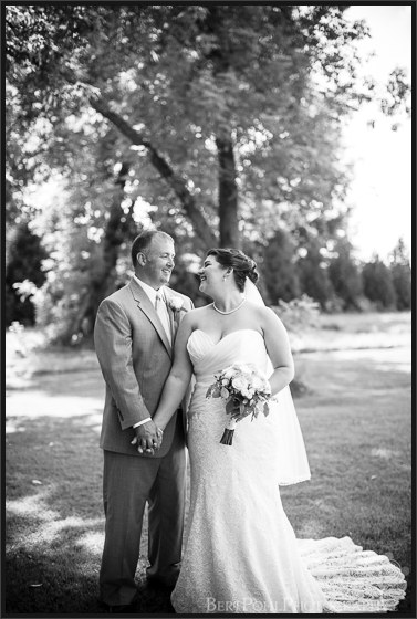 Julia & John's riverside wedding pictures near the Gran View Ogdensburg Wedding Photographers