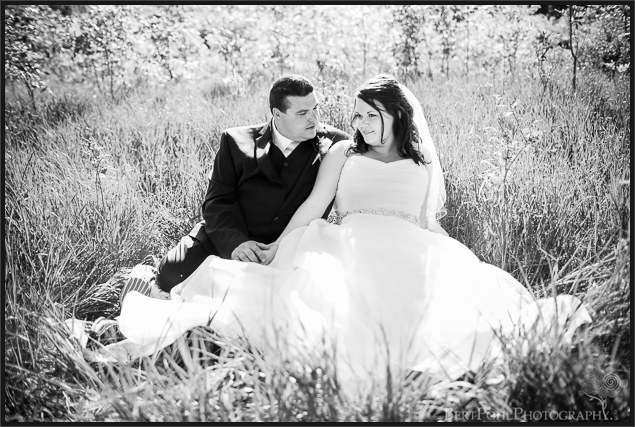 Jenny & Judd's summer outdoor wedding pictures in a grassy field near ogdensburg ny wedding photographers