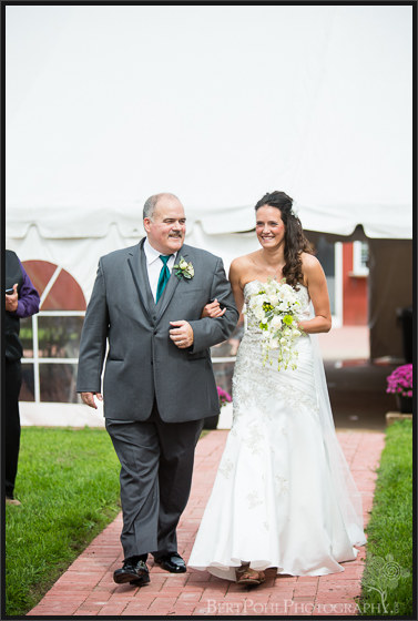 Jen & Randy's late summer wedding at Thousand Island Winery Wedding Photography